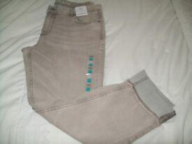 LADIES M&S SLIM LEG JEANS ---NEW SIZE 14 REG