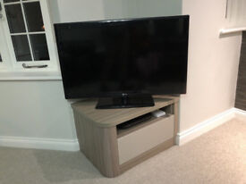 Large 42 inch LG HD TV with internet piug in in good condition model number 42LK530T with remote