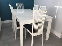 Stunning, Calligaris high gloss dining table and chairs