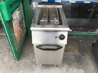 CATERING COMMERCIAL KITCHEN EQUIPMENT GAS FRYER CAFE KEBAB CHICKEN TAKE AWAY FAST FOOD RESTAURANT