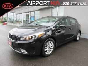2017 Kia Forte5 2.0L EX DEMO , Camera/ Push Start