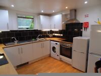 REDECORATED LARGE ENSUITE ROOM+++ALL BILLS INCLUDED++++OPPOSITE CAMBERWELLL ART COLLEGE+++