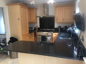 Kitchen units, fridge, dishwasher & Granit worktop