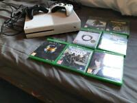 Xbox one white, two controllers, 7 games