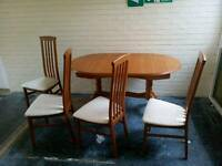 Dinning table and chair's