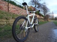 Almost New Lightweight Rockrider in mint condition. 27 sp , Disc brakes. Fork with lock out.