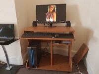 GAMING PC, TABLE & CHAIR