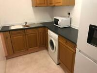1 bed / bedroom Large Flat To Rent Ilford, Gants Hill, IG1