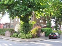 Split level 1 bedroom flat a short walk from Putney Tube and Rail w private parking