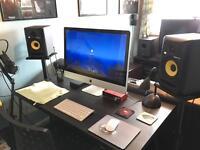 Rokit 5 G3 monitors inc quiklok stands