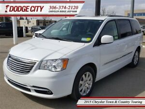 2015 Chrysler Town & Country Touring   FWD - Uconnect, DVD, Back