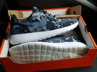 Nike Camouflage Running Trainers Size 8
