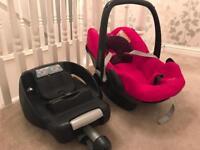 Maxi Cosi Pebble car seat and easy base.