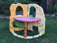 Little tikes plastic climbing frame for toddlers