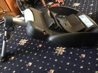 Maxi cosi pebble car seat with new born insert ISO fix easy base 2
