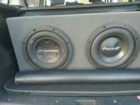 """2x pioneer 12"""" subwoofers with box"""
