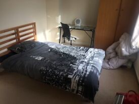 STUDENTS****Double Room close to the UEA****Available now