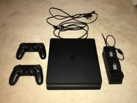 PS4 Slim 500GB, 2 controllers and box