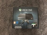 Xbox One Halo 5 Limited Edition 1TB Console *MINT* 6 Games, New Headset, GTA V