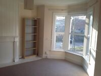 Spacious, sunny 2 bedroom maisonette in Kingswood to rent