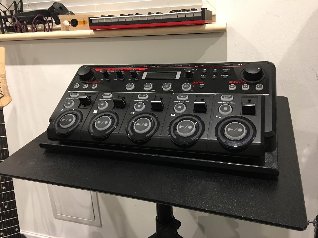 Roland rc 505