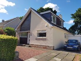 Unfurnished 4 bedroom detached house in excellent condition with garage and front/back garden