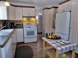 285 000$ - Maison de campagne à vendre à Canton Tremblay Saguenay Saguenay-Lac-Saint-Jean image 3