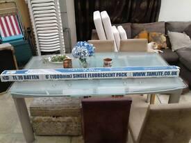 NEW Tamlite 6ft Single fluoresent light fitting (TL70 Batten) with tube