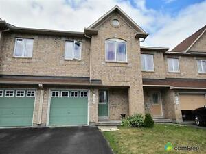 $329,900 - Townhouse for sale in Orléans