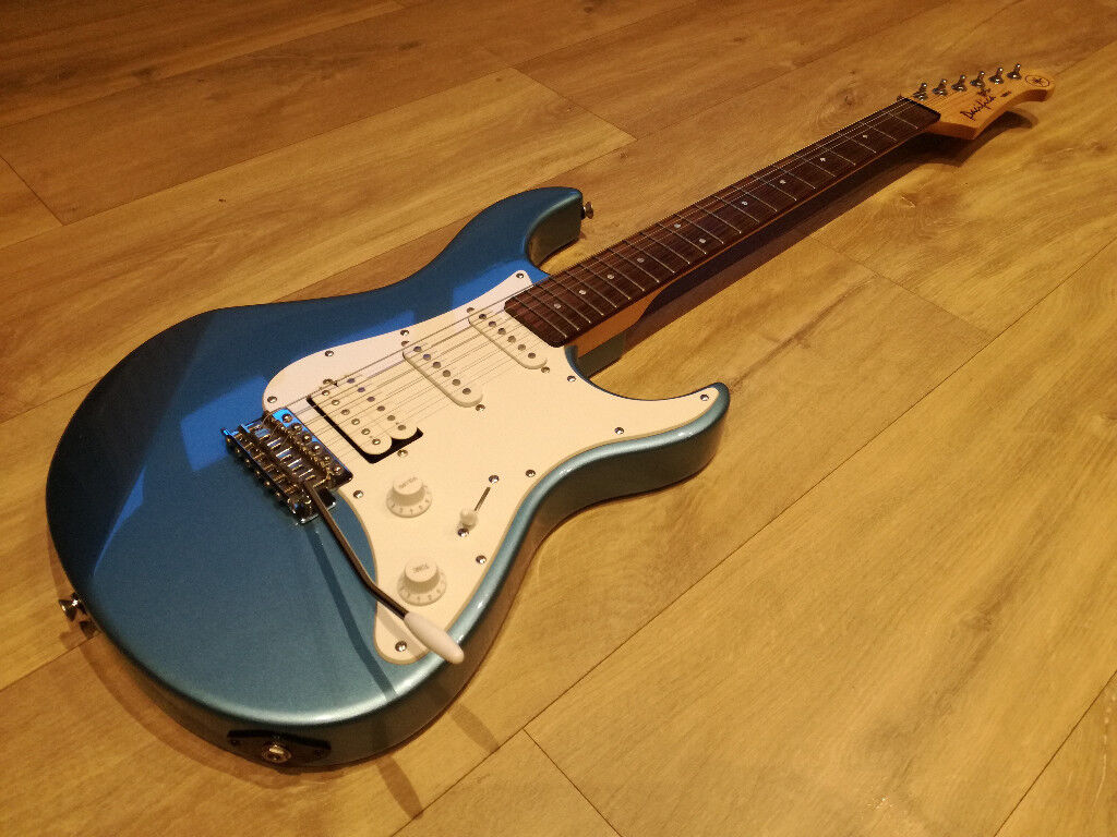 3458efc3f1 YAMAHA PACIFICA 112 ELECTRIC GUITAR BLUE, IMMACULATE CONDITION, SOUNDS  AMAZING, CUSTOM SHOP EDITION