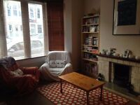 Bright Double Room in large house in Southville, July-Aug 2 months, great location and housemate!