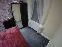 Duble room to shre in two bedroom flat