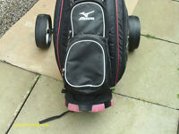 MENS RIGHT HAND GOLF CLUBS WITH BAG/TROLLEY