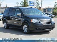 2010 Chrysler Town & Country Touring DVD Sunroof Power Side/Rear