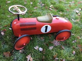 Great Gizmos Classic Racer Ride On - Red