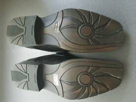 Mens shoes (NEW)