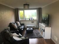 Double room to rent in a 3 bedroom house in Bracknell