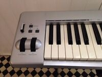 M-AUDIO Midi Keyboard 61es