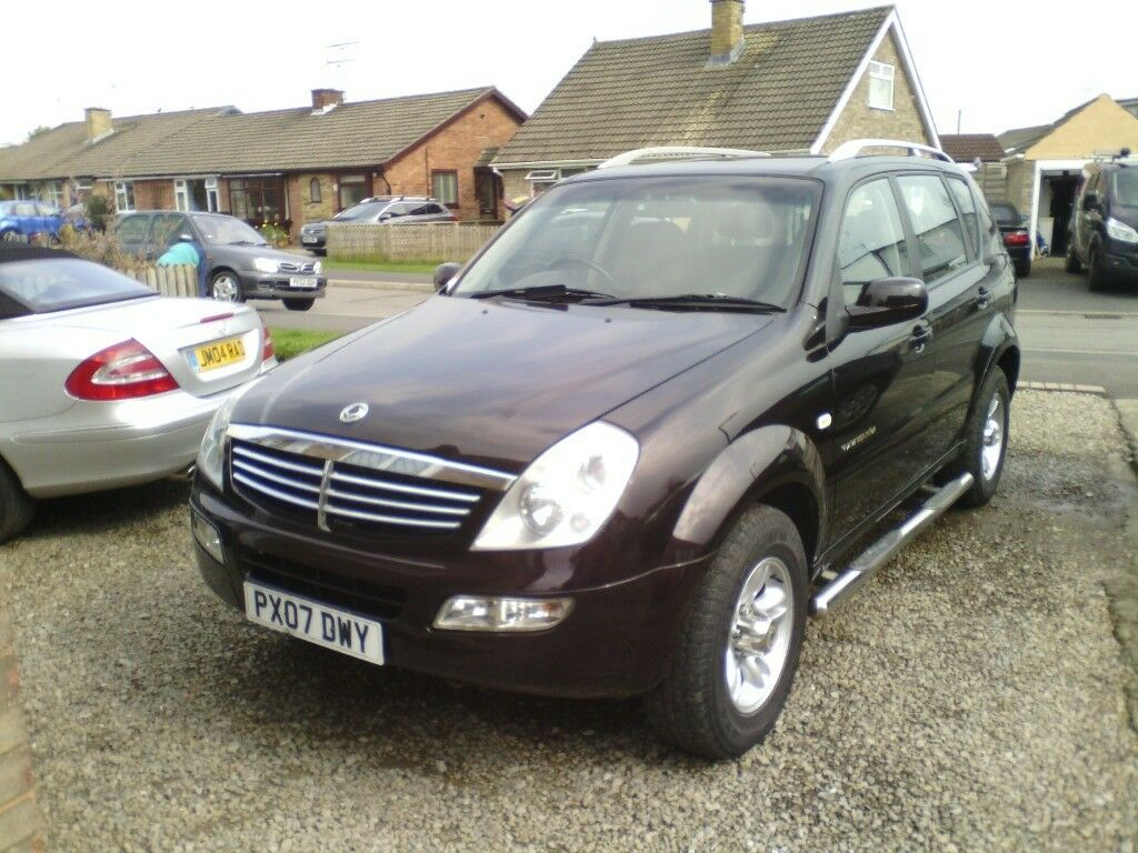 Ssangyong rexton rx270s estate mercedes 2.7 litre turbo diesel engine 4x4 30 mpg 12mts mot full s/h