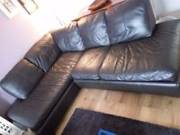 Very nice brown leather corner sofa in good condition, no scratches or tears