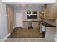 Fully re-furbished house / individual rooms to let. Professional / Student