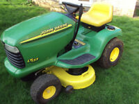 John Deere LT133 ride on mower - ride on lawnmower - sit on lawn tractor