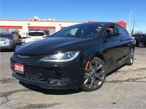 2016 Chrysler 200 S**NAVIGATION**SUNROOF**BACK UP CAMERA**BLUETO
