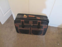 EXC CONDITION NAVIGATOR SUITCASE EDINBURGH WEST