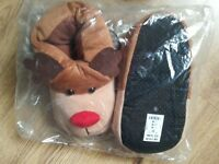BNWT xmas slipper size 5/6 or Medium