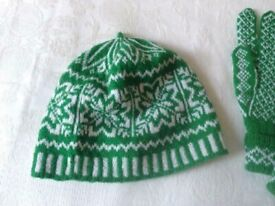British handmade Fair Isle beret, fashion accessory in pure wool. Handknit hat