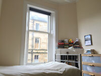 Lovely Large room in Spacious, Bright flat -Amazing location in West End-Short Term from 11th August
