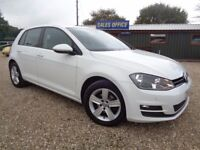 VOLKSWAGEN GOLF 1.6 TDI BlueMotion Tech Match Hatchback 5dr (start/stop) (white) 2014