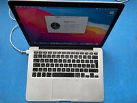 Macbook Pro 13 inch - Silver - 16GB RAM - 256GB SSD
