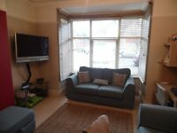 SB Lets are delighted to offer a lovely 2 bedroom holiday let with a garden located close to Hove